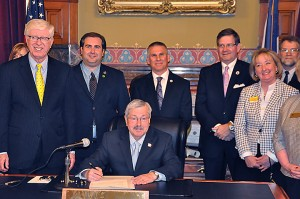 Branstad signs SF501 into law